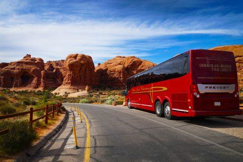 bus-in-desert2